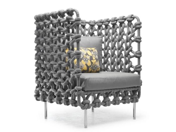 Металлическая мебель: три модных тренда для дома и квартиры