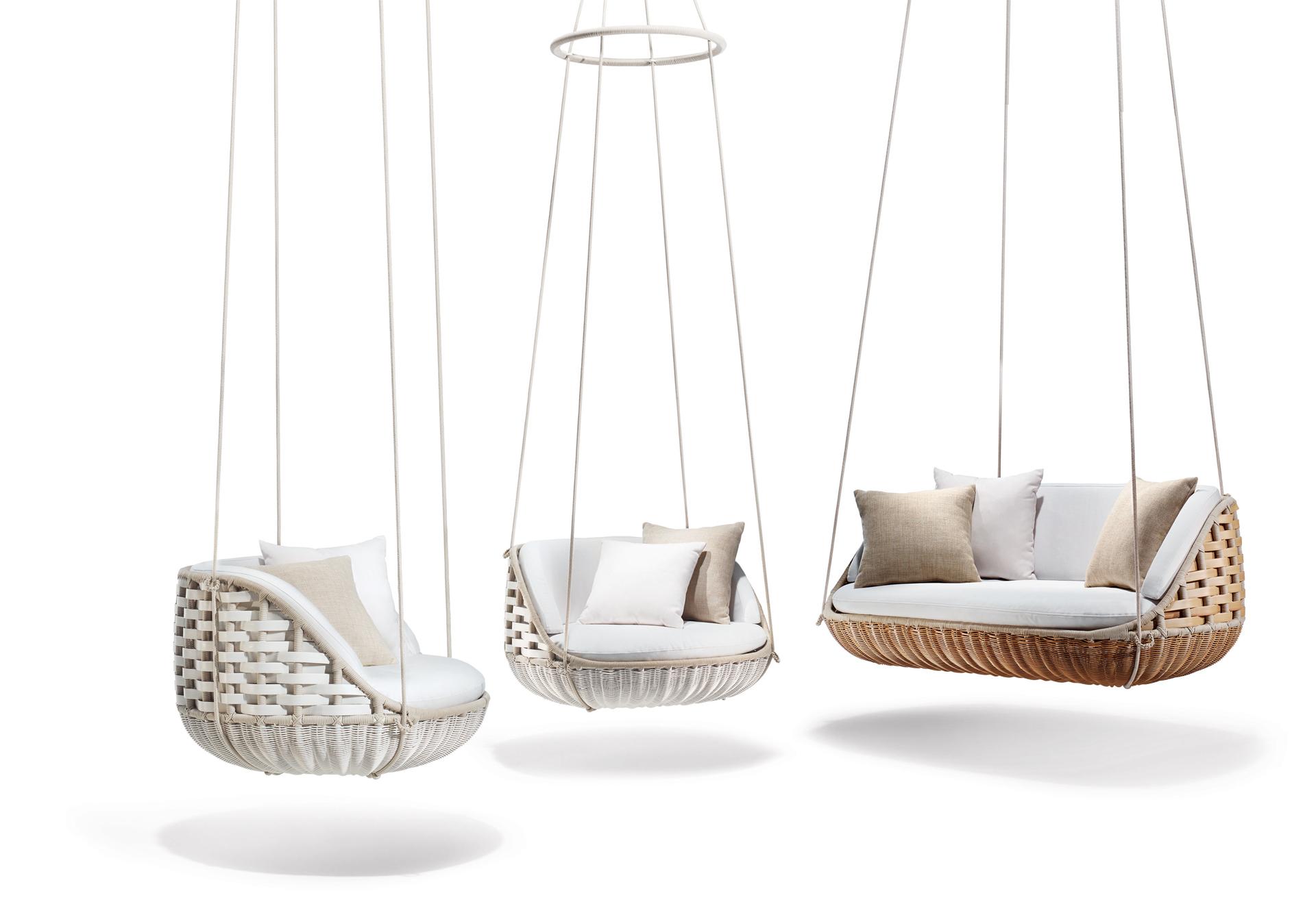 Кресла-качалки и диваны-качели- делаем правильный выбор для веранды и террас